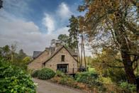 """<p>Set in the heart of Dartmoor National Park, <a href=""""https://go.redirectingat.com?id=127X1599956&url=https%3A%2F%2Fwww.booking.com%2Fhotel%2Fgb%2Fbovey-castle.en-gb.html%3Faid%3D2070929%26label%3Dhotels-with-cottages&sref=https%3A%2F%2Fwww.redonline.co.uk%2Ftravel%2Finspiration%2Fg35649846%2Fhotels-with-cottages%2F"""" rel=""""nofollow noopener"""" target=""""_blank"""" data-ylk=""""slk:Bovey Castle"""" class=""""link rapid-noclick-resp"""">Bovey Castle</a> offers a five-star country retreat your body and mind will thank you for. The stylish, indulgent hotel with cottages has 22 separate <a href=""""https://go.redirectingat.com?id=127X1599956&url=https%3A%2F%2Fwww.booking.com%2Fhotel%2Fgb%2Fbovey-castle.en-gb.html%23room_3420607&sref=https%3A%2F%2Fwww.redonline.co.uk%2Ftravel%2Finspiration%2Fg35649846%2Fhotels-with-cottages%2F"""" rel=""""nofollow noopener"""" target=""""_blank"""" data-ylk=""""slk:Castle Lodges"""" class=""""link rapid-noclick-resp"""">Castle Lodges</a> hidden within its grounds for a self-catering escape. </p><p>Each has three ensuite bedrooms sleeping up to eight (or six adults), and contain all the essentials you need for a peaceful getaway: the full kitchen, open-plan living and balcony with views over the grounds.</p><p>From April 12th, housekeeping will service the lodges after every third night and you'll have pre-booked access to Smith's Brasserie dining, activities, the spa and pool.</p><p><a class=""""link rapid-noclick-resp"""" href=""""https://go.redirectingat.com?id=127X1599956&url=https%3A%2F%2Fwww.booking.com%2Fhotel%2Fgb%2Fbovey-castle.en-gb.html%3Faid%3D2070929%26label%3Dhotels-with-cottages&sref=https%3A%2F%2Fwww.redonline.co.uk%2Ftravel%2Finspiration%2Fg35649846%2Fhotels-with-cottages%2F"""" rel=""""nofollow noopener"""" target=""""_blank"""" data-ylk=""""slk:CHECK AVAILABILITY"""">CHECK AVAILABILITY</a></p>"""