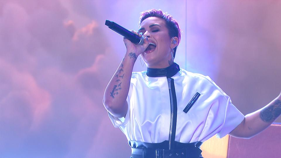 Demi Lovato performing on Monday's Ellen DeGeneres Show. (Photo: Warner Bros.)