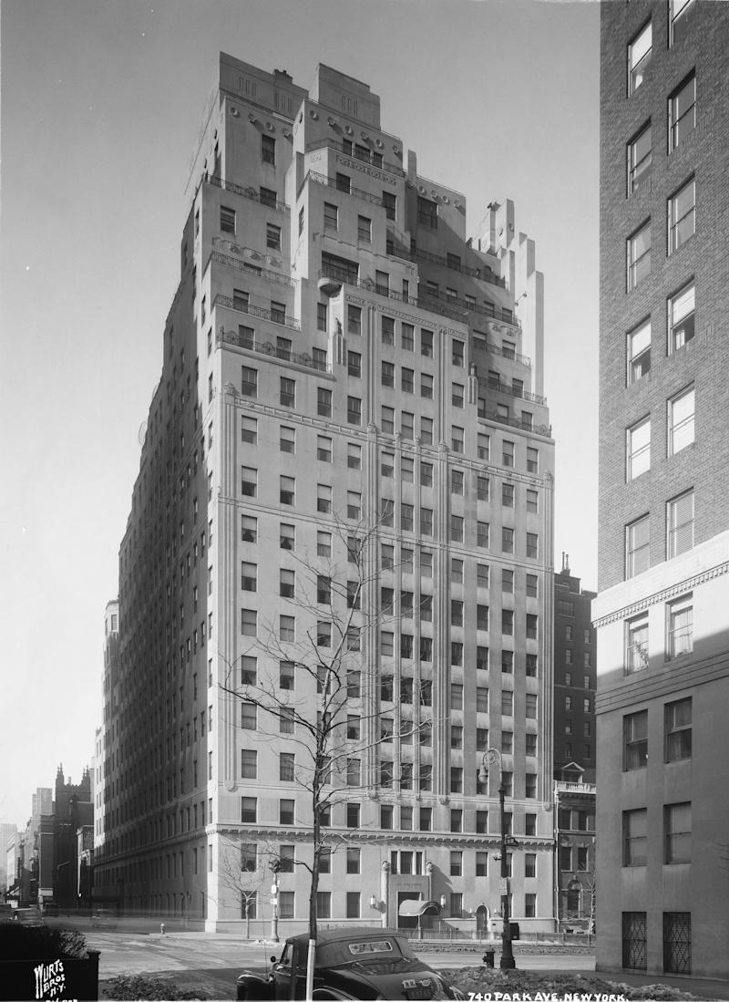 740 Park Avenue at 71st Street, 1945. Photograph by the Wurts Brothers.