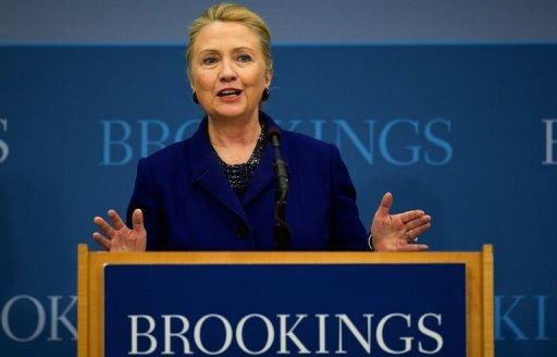 Global economy depends on end to eurocrisis: Clinton