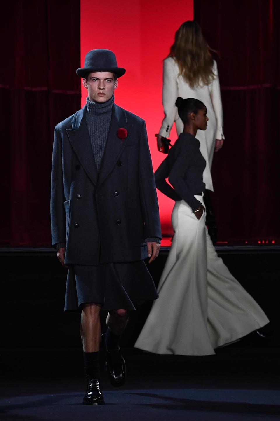 AMI by Alexandre Mattiussi presented an androgynous 2020-2021 fall-winter collection which was both elegant and romantic. Paris, January 14, 2020.
