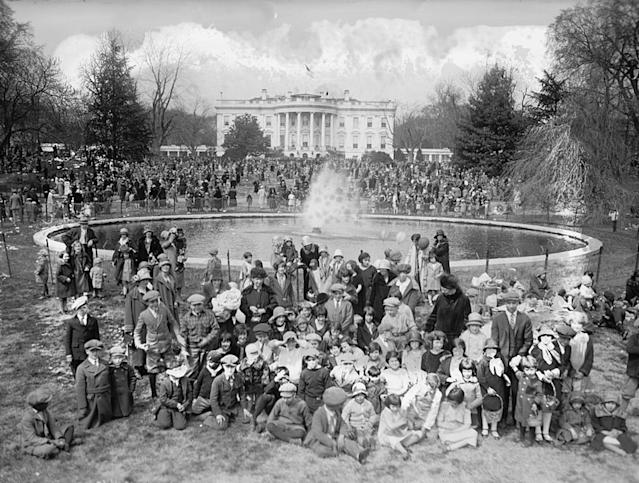 <p>Easter at the White House in Washington with people gathered around the fountain on the South Lawn, 1926. </p>