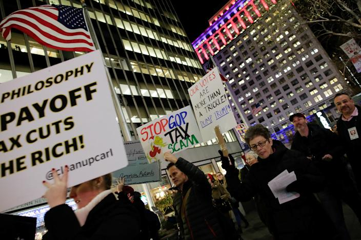 <p>Demonstrators take part in a protest against tax cuts for rich people in the Manhattan borough of New York City, Nov. 27, 2017. (Photo: Eduardo Munoz/Reuters) </p>