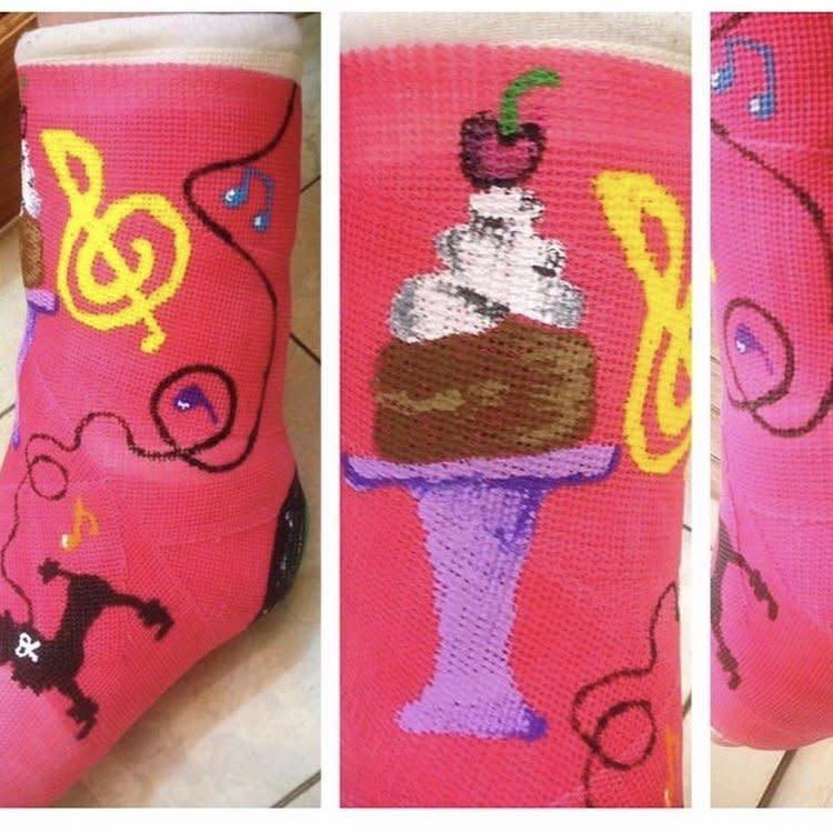 Cast decorated with cupcakes.
