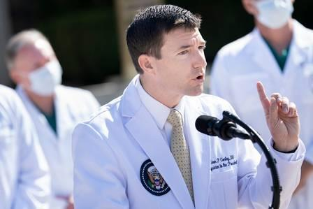 89895816_Sean Conley Physician to US President Donald Trump gives an update on the President's h.jpg