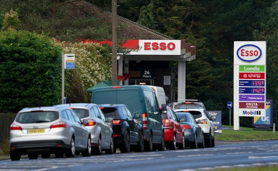 Motorists queue for fuel at an Esso petrol station in Kent (Gareth Fuller/PA) (PA Wire)