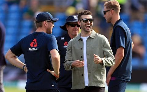 Mark Wood makes an appearance as he recovers from injury - Credit: pa