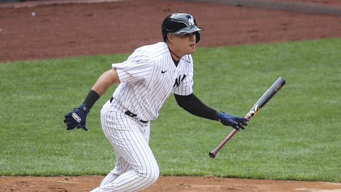Gio Urshela turns to run out of batter's box