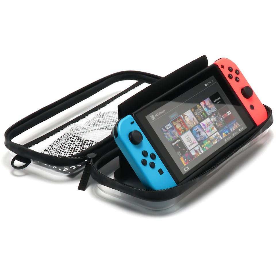 Open the cover flap and turn the entire pouch into a standing game console