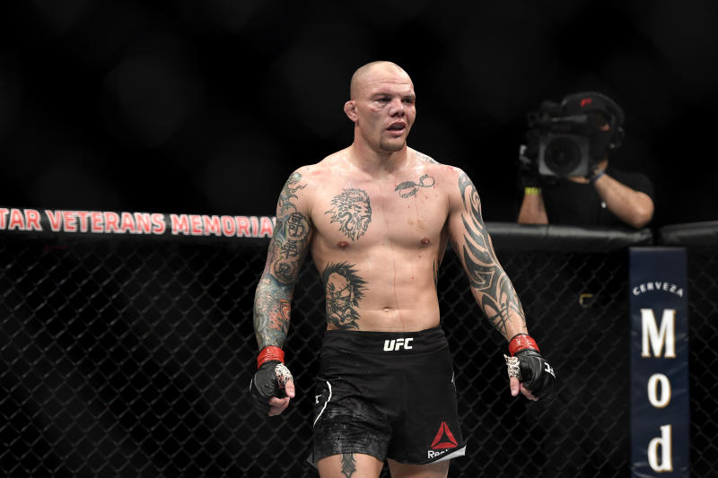JACKSONVILLE, FLORIDA - MAY 13: Anthony Smith of the United States looks on against Glover Teixeira of Brazil in their Light Heavyweight bout during UFC Fight Night at VyStar Veterans Memorial Arena on May 13, 2020 in Jacksonville, Florida. (Photo by Douglas P. DeFelice/Getty Images)