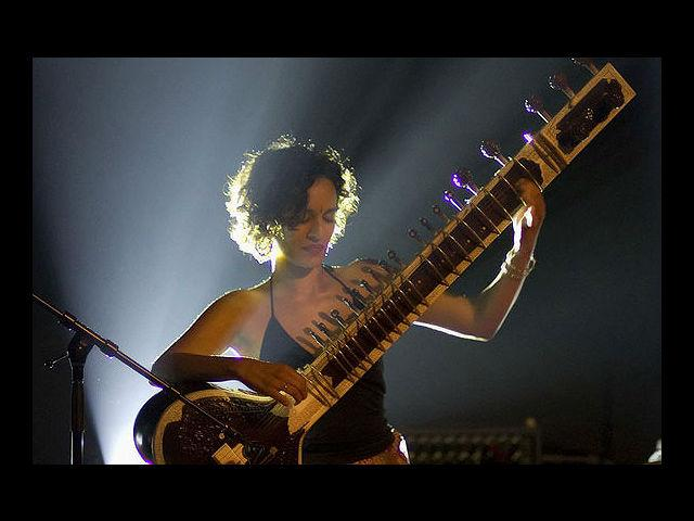 <b>2. Anoushka Shankar</b><br><br> A sitar playing Bond girl would be quite a treat to watch on screen.  Besides, Shankar's raw sensuality only adds to the drool factor.