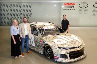 Driving legend Jimmie Johnson is joined by Laine and Lori Donlan as a special military-theme paint scheme is revealed in tribute to Army Sgt. Richard Donlan