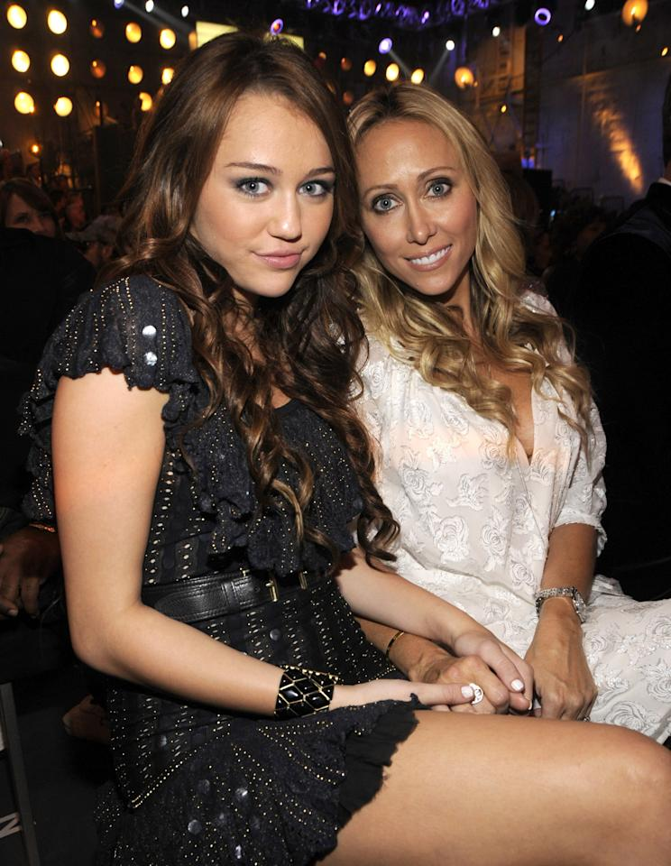 <p>Miley attended the show with her mom, Tish, that year, although she lost out on the award to Tokio Hotel. </p>