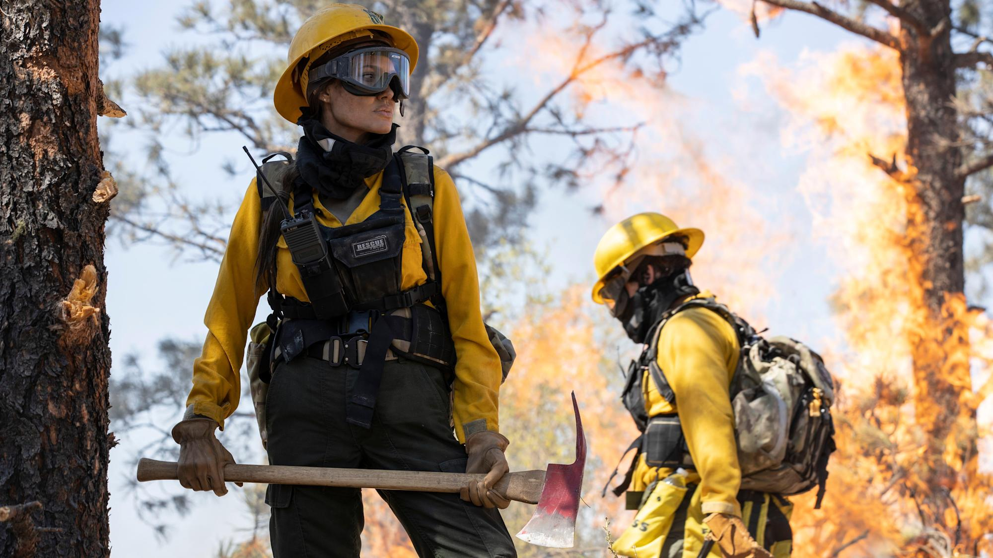 Angelina Jolie is a smokejumper in first Those Who Wish Me Dead trailer