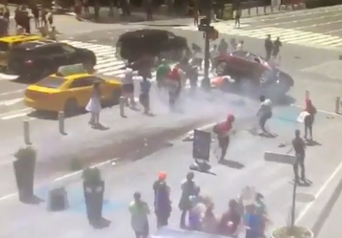 The Honda crashed into a barrier at the scene. Photo: LiveLeak