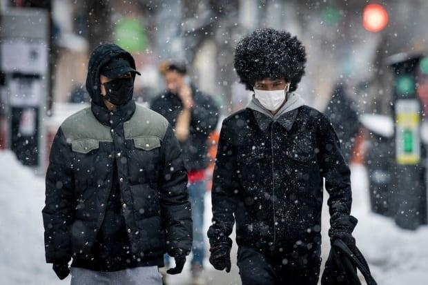 Torontonians could face up to 5 cm of spring snow on Wednesday morning.  (Evan Mitsui/CBC - image credit)
