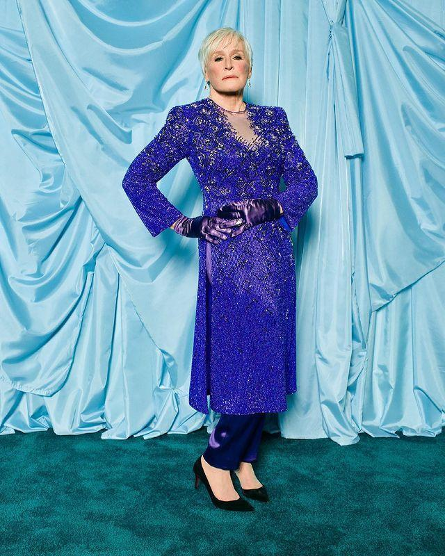<p>Nominated for Best Actress in a Supporting Role for <em>Hillbilly Elegy</em>, Close stunned on the carpet in a sequin-adorned blue ensemble with matching gloves.</p>