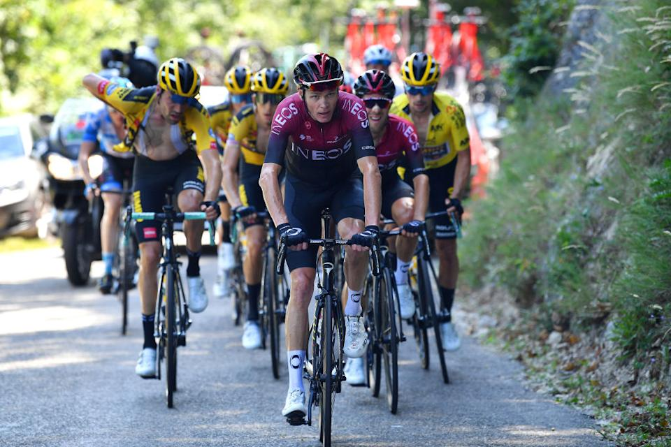 Froome sets the tempo on the Grand Colombier