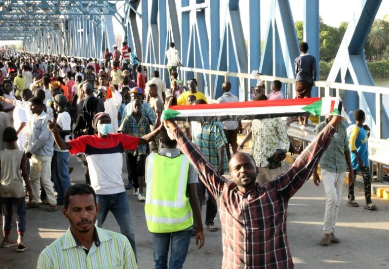 Protest leaders and Sudan's ruling generals have reached a breakthrough agreement on transitional authorities to run the country