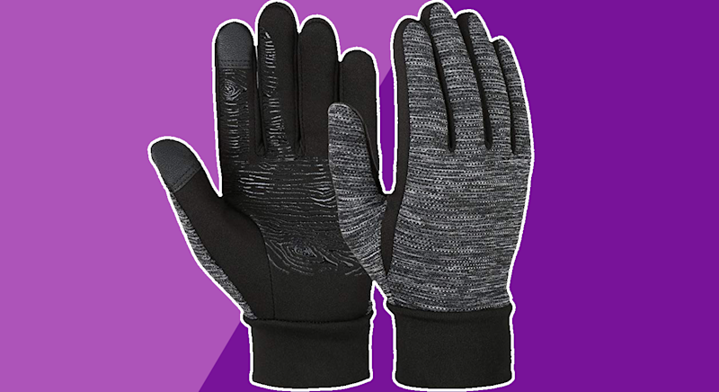 These £13 gloves are Amazon's best seller. [Photo: Yahoo Style UK]