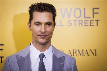 """Cast member Matthew McConaughey arrives for the premiere of the film adaptation of """"The Wolf of Wall Street"""" in New York December 17, 2013. REUTERS/Lucas Jackson"""