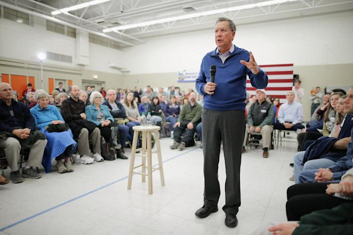 <p>Republican presidential candidate John Kasich holds a town hall meeting in the cafeteria at Bow Elementary School, Jan. 31, 2016, in Bow, N.H. This was Kasich's 86th town hall meeting in New Hampshire. <i>(Photo: Chip Somodevilla/Getty Images)</i></p>
