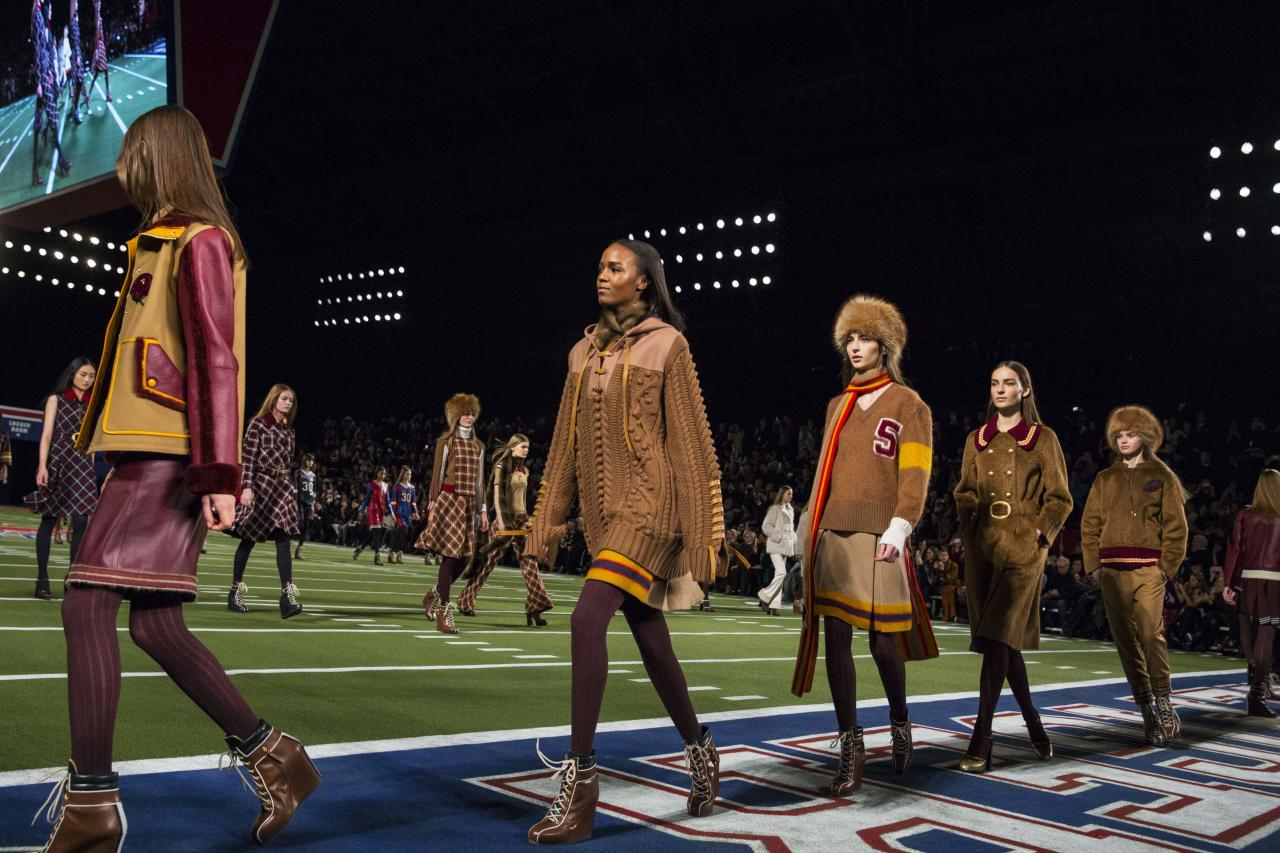 Tommy Hilfiger S Football Themed Show At New York Fashion Week