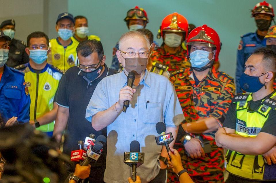Minister of Transport, Datuk Seri Wee Ka Siong speaks to the media on the LRT crash, at Avenue K, Kuala Lumpur, May 24, 2021. — Picture by Shafwan Zaidon