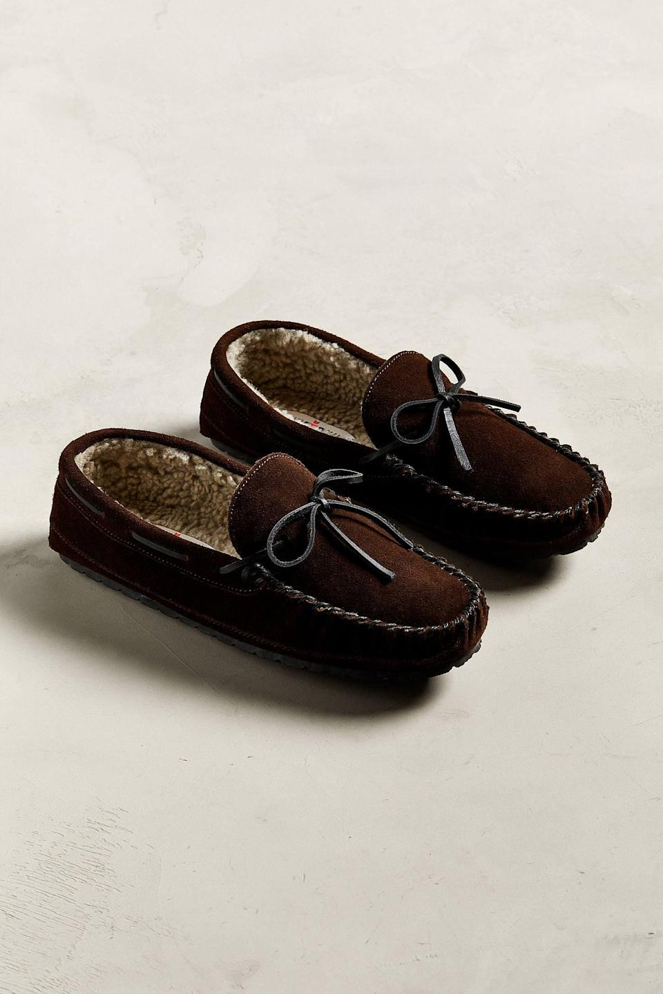 <p>Who could refuse these comfy <span>Minnetonka Casey Slippers</span> ($47)?</p>