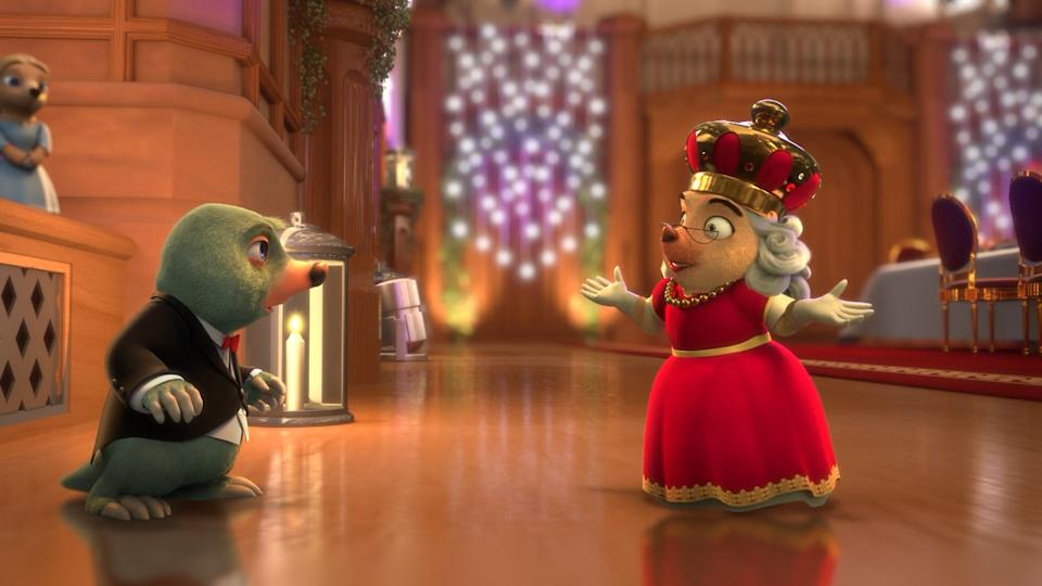 Moley, voiced by Warwick Davis, and the Queen, voiced by Dame Julie Walters (Boomerang)