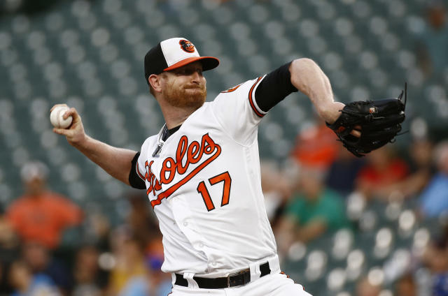 Baltimore Orioles starting pitcher Alex Cobb throws to a Toronto Blue Jays during the first inning of a baseball game Wednesday, Aug. 29, 2018, in Baltimore. (AP Photo/Patrick Semansky)