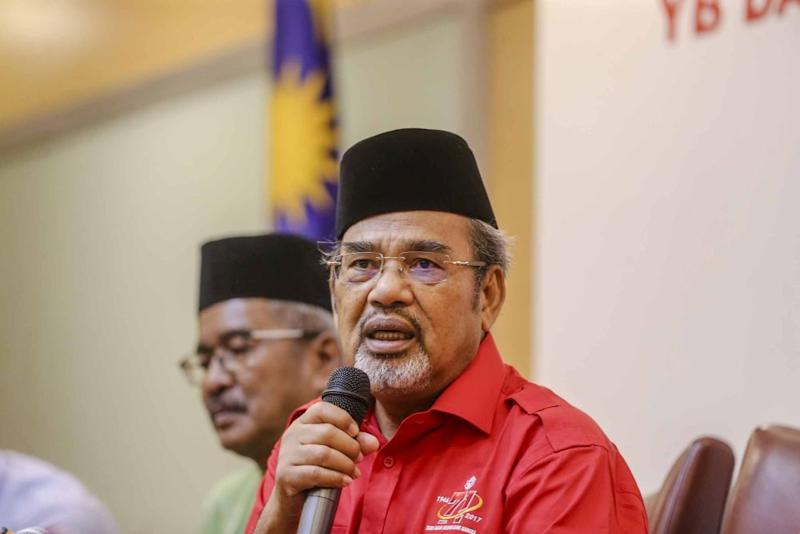 Umno's Datuk Seri Tajuddin Abdul Rahman accused DAP of being the driving force in PH and being behind Prime Minister Tun Mahathir's decisions. ― Picture by Firdaus Latif