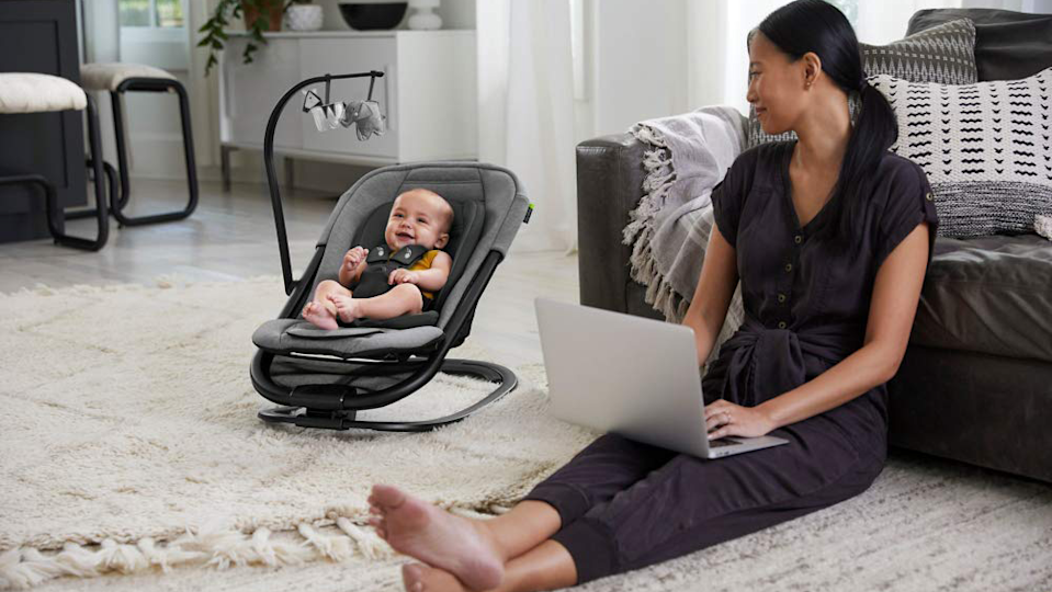 Gifts for new parents: Baby Jogger Bouncer