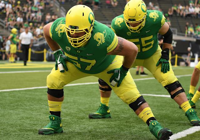 Doug Brenner (57) played at Oregon from 2013-2017. (Photo by Brian Murphy/Icon Sportswire via Getty Images)