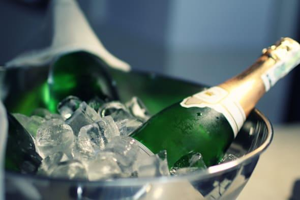 champagne with ice