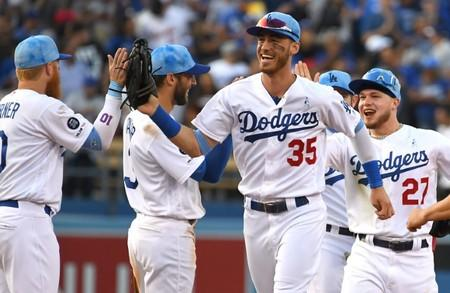Jansen holds on as Dodgers edge Cubs