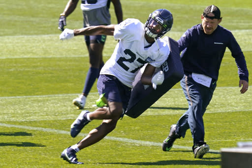 Marquise Blair embraces position switch in Seahawks defense