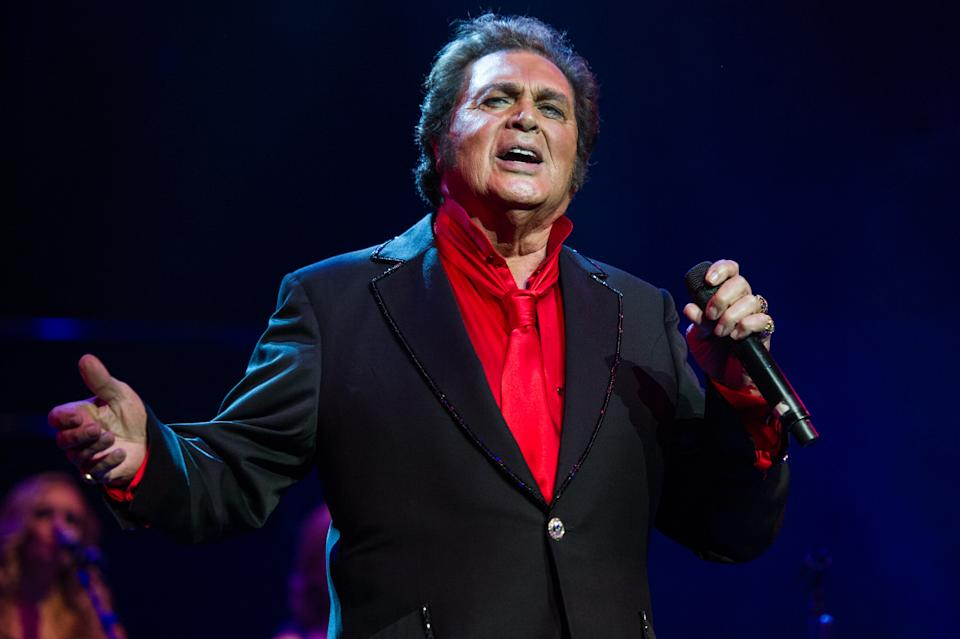 LONDON, ENGLAND - MAY 29:  Engelbert Humperdinck performs live at Royal Albert Hall on May 29, 2015 in London, England.  (Photo by Brian Rasic/WireImage)