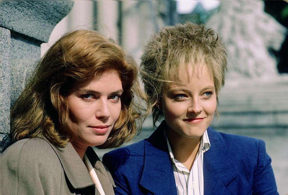 Actresses Kelly McGillis (L) and Jodie Foster (R) pose for a photo in June 1987 in Vancouver, Canada. McGillis and Foster are promoting the movie, 'The Accused.'