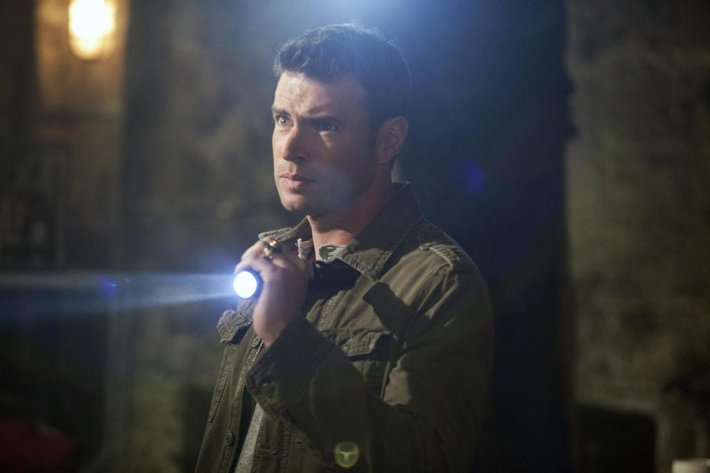 Scott Foley as Patrick, Terry's old friend and platoon leader in Iraq