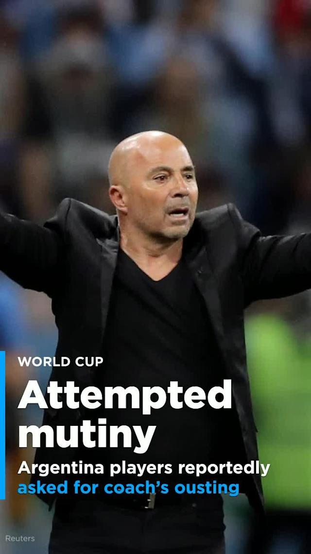 Argentina players gathered late Thursday night after their disastrous loss to Croatia and asked for Jorge Sampaoli's immediate removal as manager, according to reports.