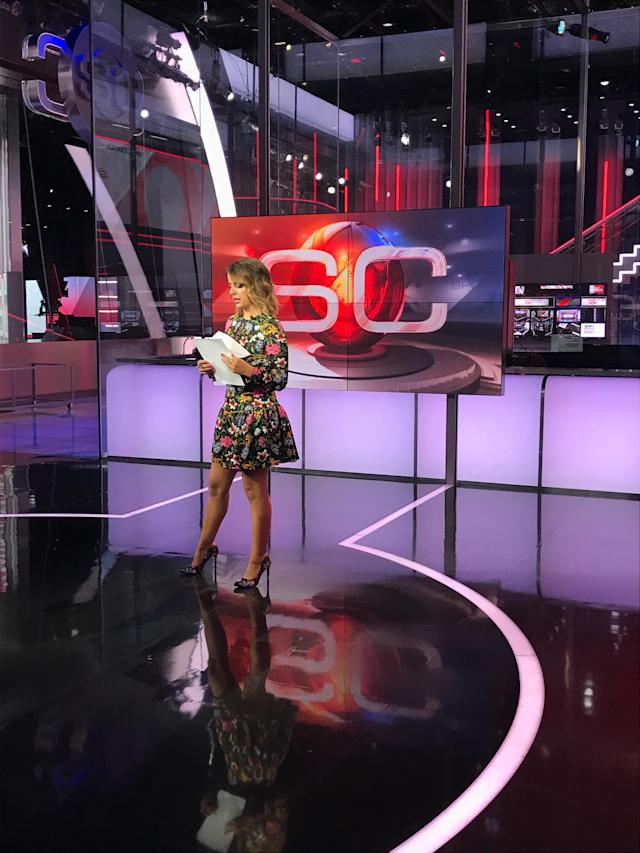Victoria Arlen prepares to shoot a SportsCenter Right Now update on May 29, 2018. (Daniel Roberts/Oath)