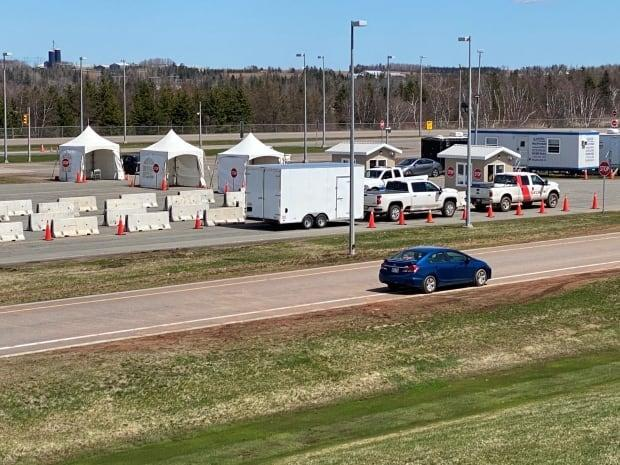 Travellers will show their approved self-isolation plans at border checkpoints. (Kirk Pennel/CBC - image credit)