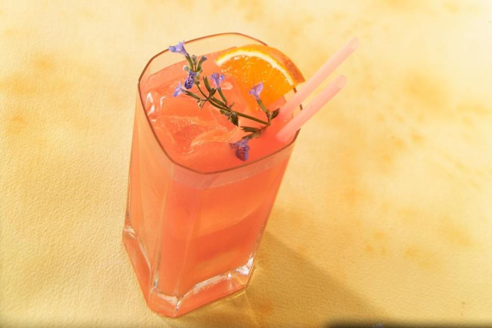 """<p>Another way to use lime-flavored sparkling water for a mixed drink is by combining it with grapefruit juice and orange juice for the ultimate citrus mocktail.</p> <p><a href=""""https://www.thedailymeal.com/recipes/ruby-citrus-sparkler-mocktail?referrer=yahoo&category=beauty_food&include_utm=1&utm_medium=referral&utm_source=yahoo&utm_campaign=feed"""" rel=""""nofollow noopener"""" target=""""_blank"""" data-ylk=""""slk:For the Ruby Citrus Sparkler recipe, click here."""" class=""""link rapid-noclick-resp"""">For the Ruby Citrus Sparkler recipe, click here.</a></p>"""