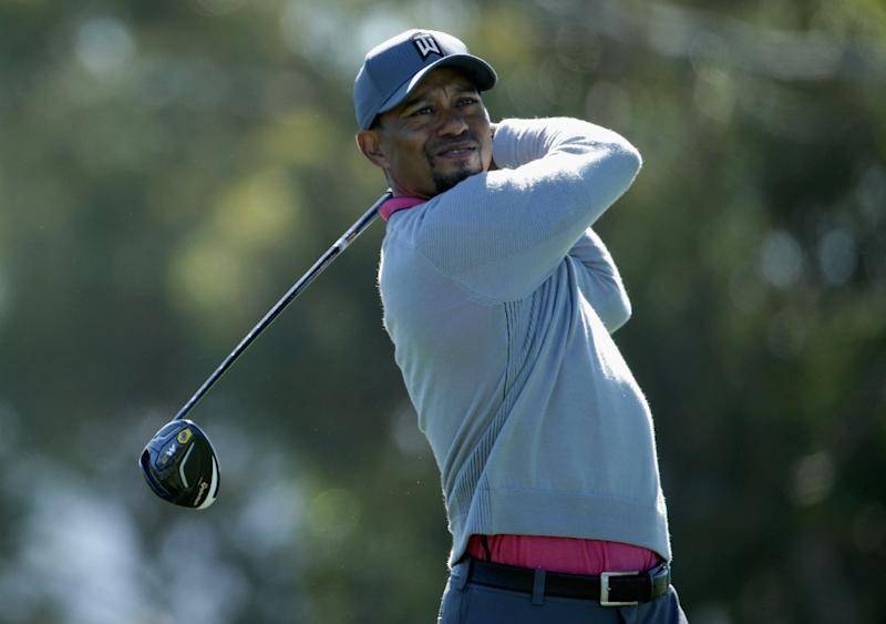 Doctors Clear Tiger Woods To Swing Golf Clubs