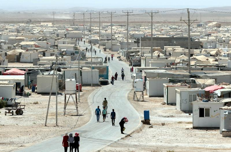 A general view shows the UN-run Zaatari camp for Syrian refugees, north east of the Jordanian capital Amman, on September 19, 2015 (AFP Photo/Khalil Mazraawi)