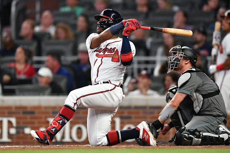 Braves' Ronald Acuna Jr. hits homer from knee vs. Diamondbacks