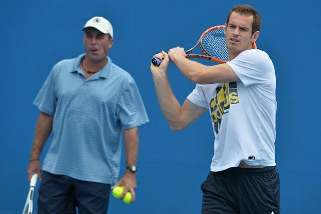Andy Murray (R) is watched by his then coach Ivan Lendl as he plays a shot during a practice session ahead of the 2014 Australian Open tennis tournament in Melbourne on January 12, 2014 (AFP Photo/Paul Crock)