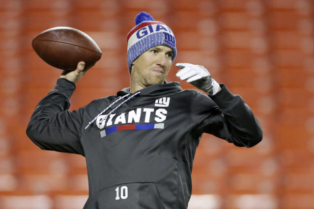 One group of Giants fans has made their feelings clear on the benching of QB Eli Manning. (AP)