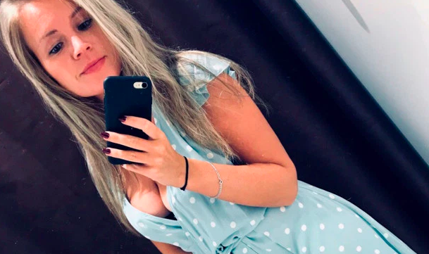 The accountant, 26, was charging her phone when it 'slipped' into the bath where she was laying. (Instagram)